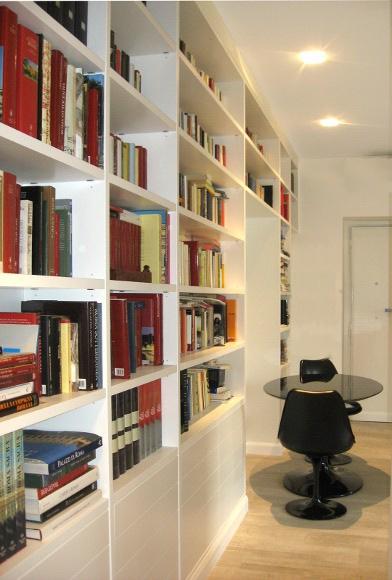 libreria su misura moderna con anta dogata