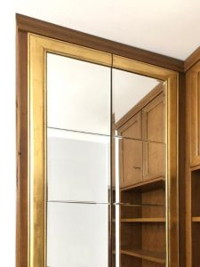 armadio su misura con specchio cornice oro