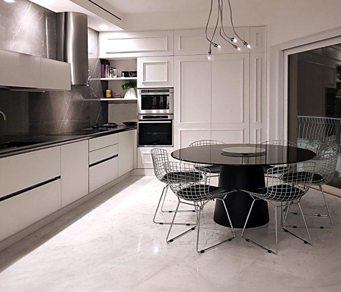 cucina su misura classic and contemporary con frigo e congelatore a scomparsa